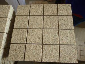 Rusty Yellow Granite G682 Granite Cube Stone Cobblestone Natural Split Flamed pictures & photos