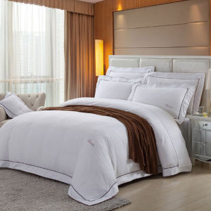 Okeo-Tex Certified Fashion Hotel /Home Cotton White Bedding Sets pictures & photos