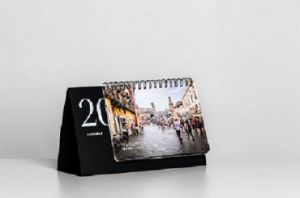High Quality Coated Paper Office Supply Desk Calendar Printing pictures & photos
