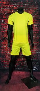 Yellow Plain Football Jerseys and Shorts pictures & photos