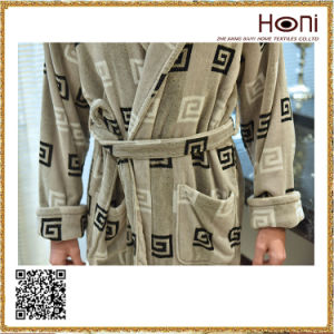 D-018 Latest Print Men Pattern Bathrobe pictures & photos