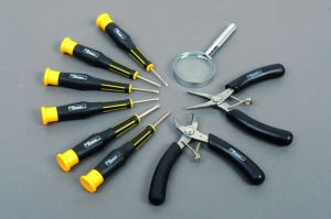 9PCS Hand Tool Set Cr-V Steel Screwdriver Kit Precision Tools Set pictures & photos