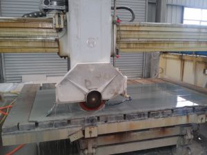 Infrared Automatic Stone Cutting Machine pictures & photos