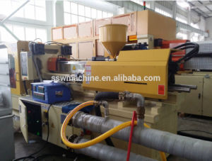 Plastic Injection Molding Machine/Injection Machine for Plastic Product pictures & photos
