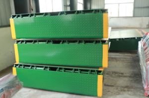 8 Tons Load Capacity Stationary Dock Ramp Lift pictures & photos