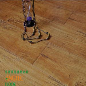 Wire Brushed European Oak Engineered Wood Flooring Floor and Decor pictures & photos