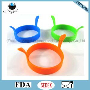 Promotional Round Silicone Egg Mould Kitchen Tool Se12 pictures & photos