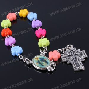 Eco-Friendly Lead and Nickle Free Natural Flower Plastic Bracelet pictures & photos