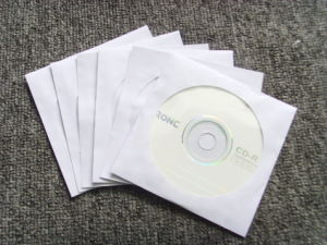 Wholesale Colorful CD DVD Paper Sleeves with Clear Window pictures & photos