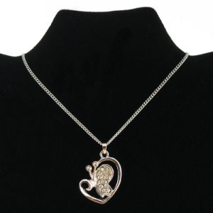 Silver Crystal Butterfly Charms Necklace for Party Decoration (FN16040801) pictures & photos