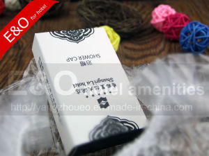 Hotel Amenities Disposable Bath Cap in Boardcard Box with Logo pictures & photos