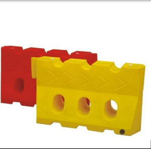 Road Water Filled Defence Traffic Barriers Plastic pictures & photos