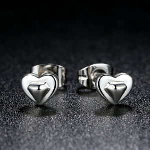 New Collection 100% 925 Sterling Silver Heart Stud Earrings pictures & photos