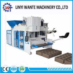 Wt10-15 Movable Mobile Portable Egg Layer Concrete Block Brick Making Machine pictures & photos