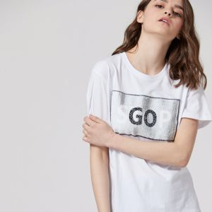 Ladies Fashion Embroidery Sequins Letter Jersey T-Shirt pictures & photos