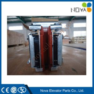 Mitsubishi Type Elevator Sliding Door Guide Shoe pictures & photos