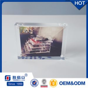 Customize Promotion Gift Clear Acrylic Magnetic Photo Frame 4X6 pictures & photos