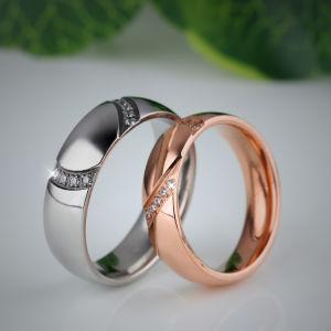 Fashion Lover Split Heart Rhinestone Diamond Men Women Couple Rings Stainless Steel Jewelry pictures & photos