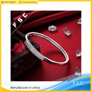 Fashionable Silver Plated Cuff Bangle Simple Design Bracelets with CZ pictures & photos