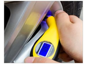 Accurate LCD Digital Car Tire Tyre Air Pressure Gauge pictures & photos