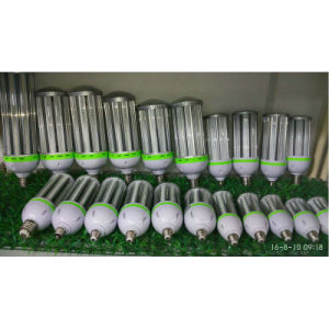 Professional China Manufacturer Wholesales E27 B22 E40 LED Corn Light pictures & photos
