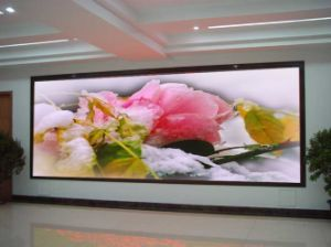 Low Price Indoor P4 LED Display for Advertising and Video pictures & photos