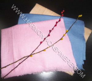 Cashmere Worsted Single Yarn Soft and Thin Scarf-Cashmere Scarf (HM-SC09010) pictures & photos