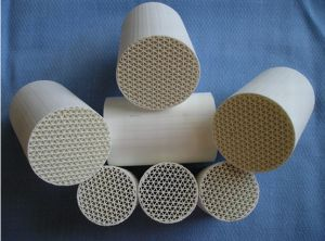 Ceramic Honeycomb Catalyst Substrate for Car/Motorcycle pictures & photos