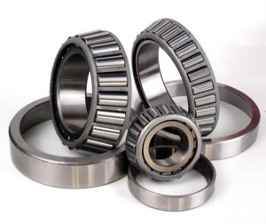 Small Size Tapered/Taper/Conical Roller Bearings 32230 pictures & photos