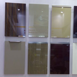 Zhuv High Quality Kitchen Cabinet Door with Aluminium Edge/PVC Edge/Acrylic Edge pictures & photos