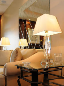 Luxury Crystal Decorative Living Room Table Lamp (JD-TD-001) pictures & photos