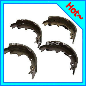 Brake Shoe Set for Jeep Cherokee Wrangler 4723367 4423606 pictures & photos