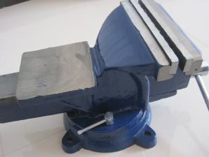 """4"""" 100mm Heavy Duty Type Bench Vise (HL) pictures & photos"""