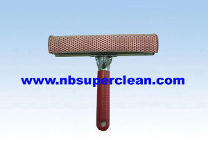 Plastic Short Handle Car Wiper with Sponge Window Squeegee (CN1708) pictures & photos