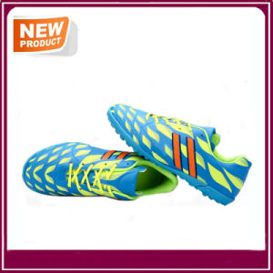 Hot Sale Men′s Sport Athletic Indoor Soccer Shoes pictures & photos
