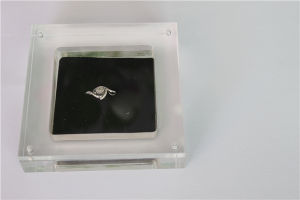 Square Acrylic Ring Display Box, Acrylic Ring Organizer pictures & photos