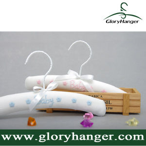 Wholesale Children Cloth Hangers for Clothing Shop Display pictures & photos