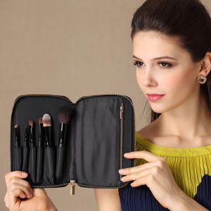 Portable Cosmetic Kit Makeup Brush with Zipper Pouch pictures & photos