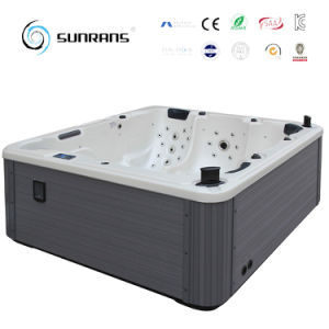 Simpl and Easy to Use Outdoor Wooden Hot Tub pictures & photos