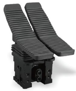 Hydraulic Control Valve Double Foot Pedals pictures & photos