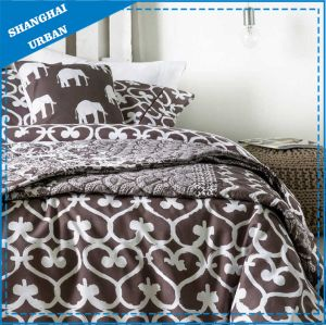 Brown Heart-Shape Printed Polyester Quilt and Duvet Cover Set pictures & photos