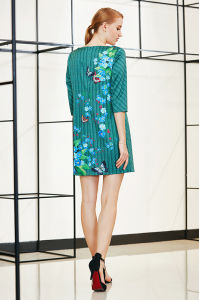 New Trendy Fashionable Three Quater Sleeve Placement Shift Dress in Floral Pattern pictures & photos