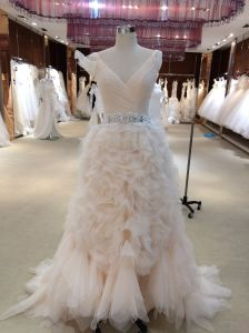 V Neck Tiered Bottom Pink Wedding Dress with Belt pictures & photos