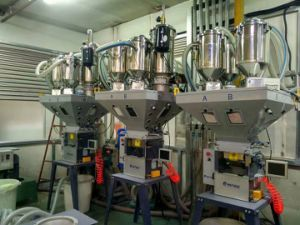Wbb Gravimetric Batch Blender Machine for Plastic Parts Injection Machine pictures & photos