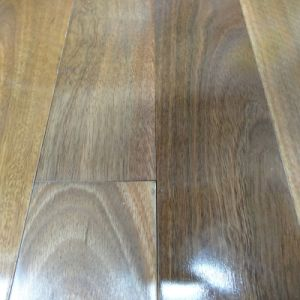 Prefinished Solid Spotted Gum Timber Flooring pictures & photos