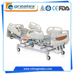 2 Crank Manual Hospital Bed with 6-Crank Aluminium Alloy Handrails (GT-BM5168) pictures & photos
