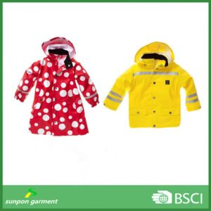 High Quality Lovely Function Waterproof Kids Raincoat pictures & photos
