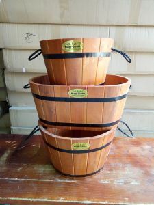 Colorful PU Paint Half Whiskey Barrel with Rope Handle pictures & photos