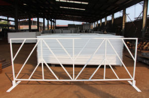 White Vinyl Coated Public Area Road Barrier / Crowd Control Barricade (XMS8) pictures & photos