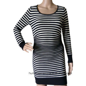 Women Stripe Sweater with Crinkle on Waist Round Neck Knitwear (HS5583)